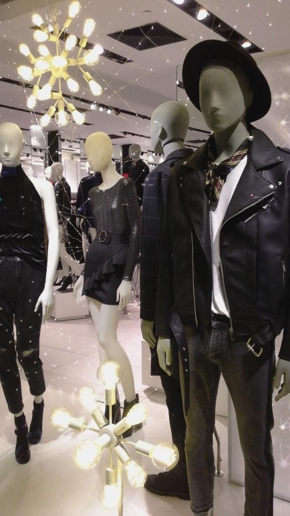 bershka-escaparate-paseo-de-gracia-bershka-escaparatismo-fashionblog-fashionista-shoppingfashion-moda-aparador-5