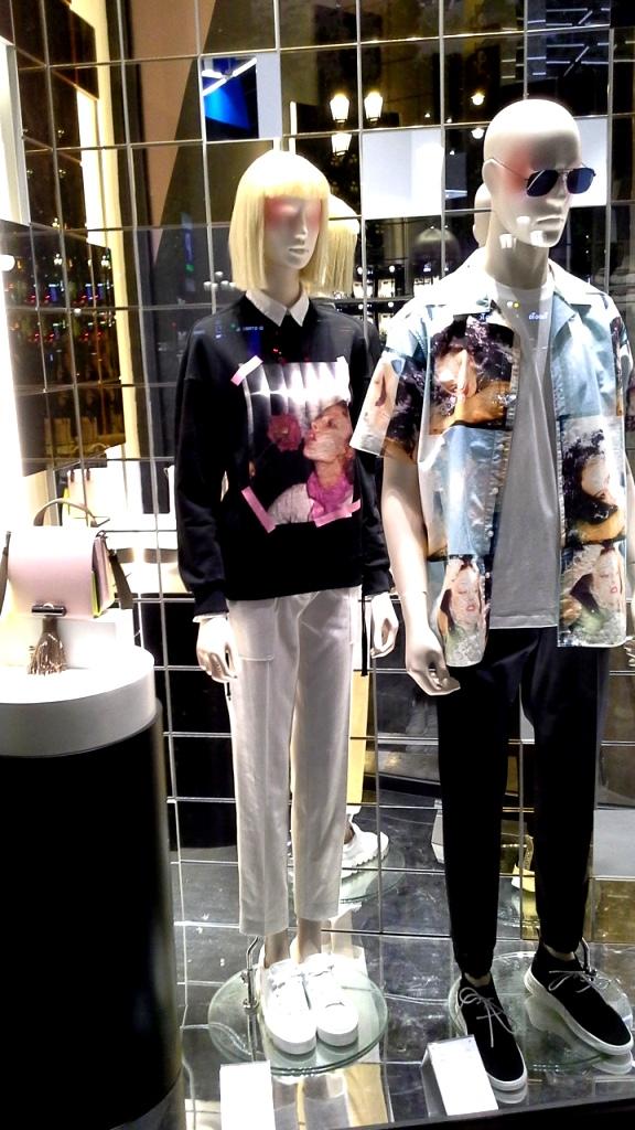 #kenzo #kenzoescaparate #escaparatebarcelona #barcelonaescaparatismo #escaparatelover #trend #fashion (5)