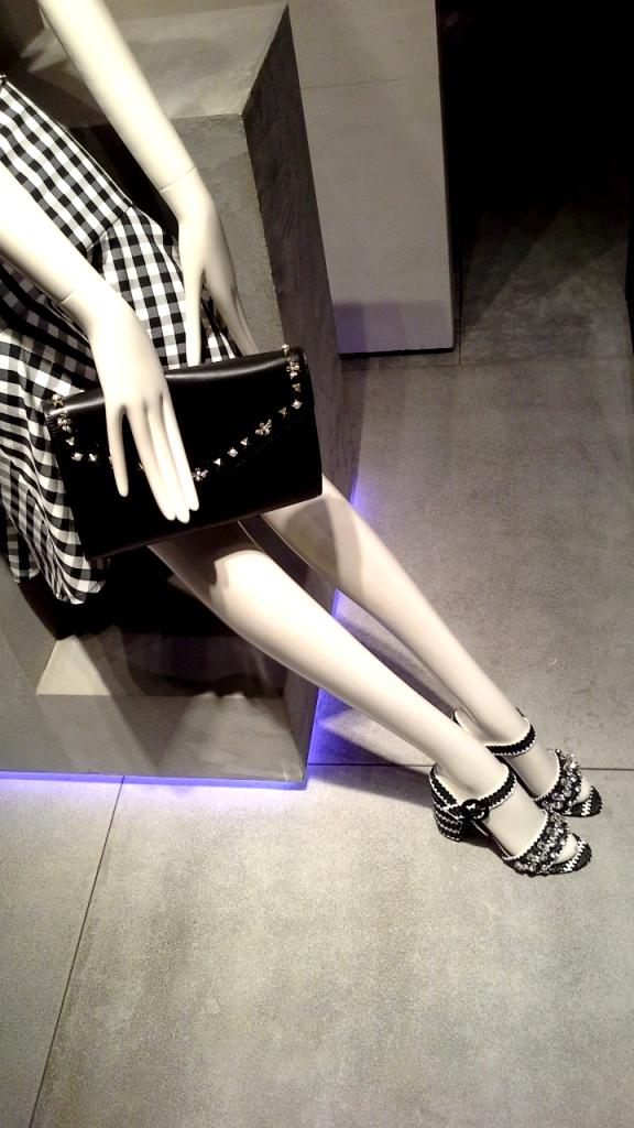 #uterque #escaparatebarcelona #escaparatismobarcelona #teviac #escaparatelover #fashion #influencer #personalshopper #ecommerce #moda (8)