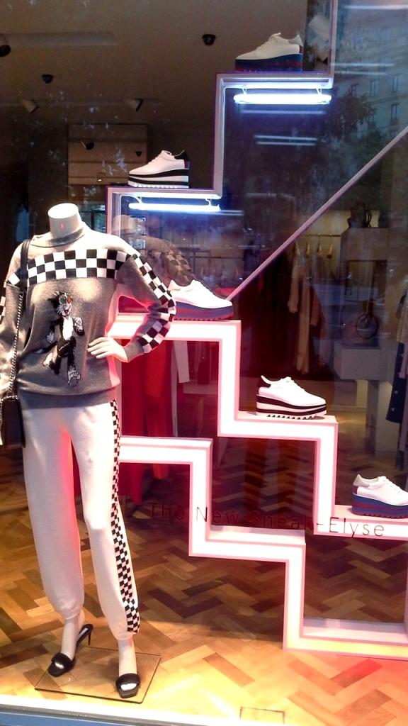 #stellamccartney #escaparate #shopping #fashionbarcelona #modabarcelona #trendy #escaparatelover #influencer (1)