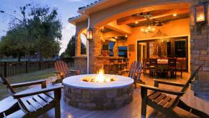 High End Outdoor Living Area Kitchen Finishes In Royal