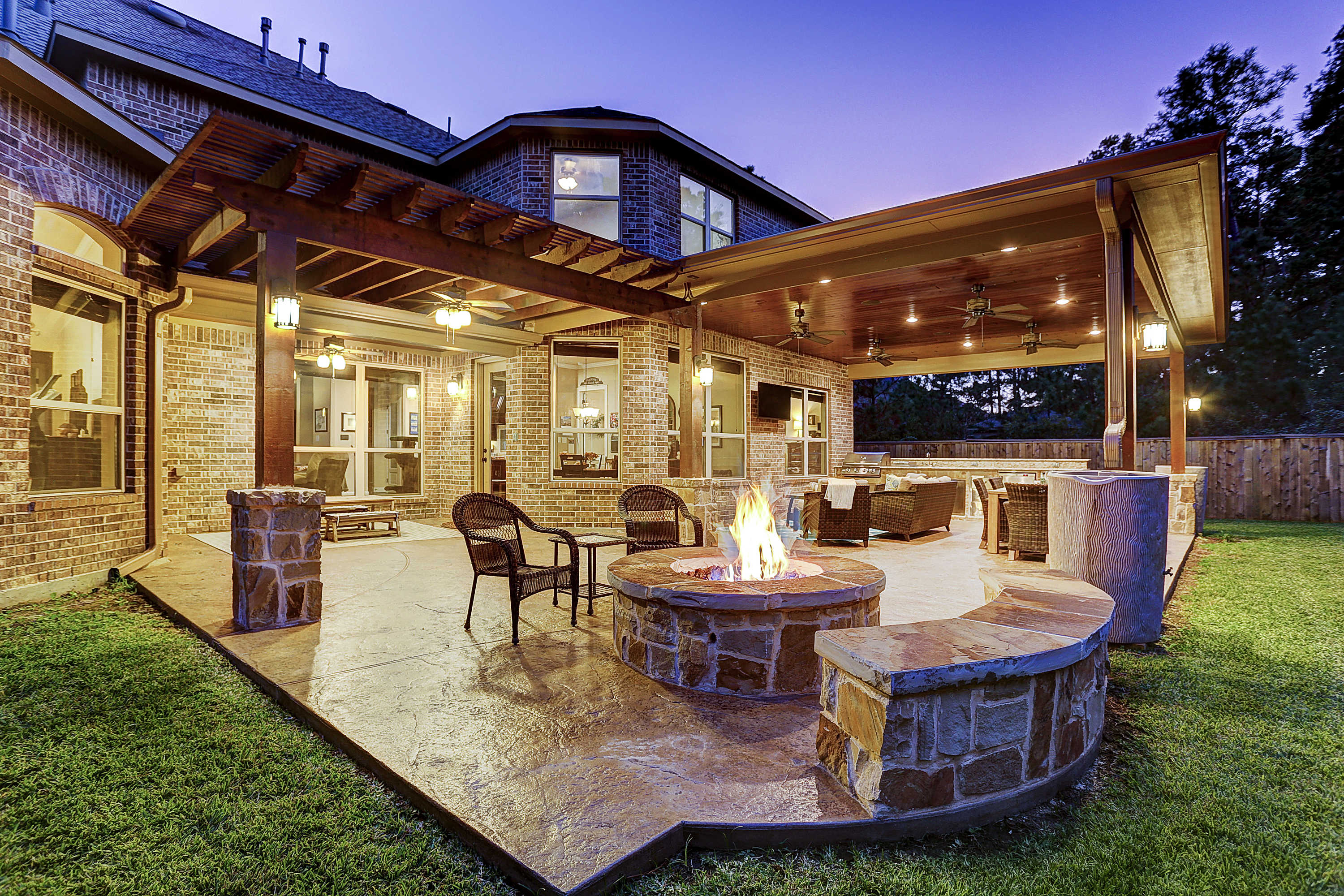 Outdoor Living Space In The Woodlands