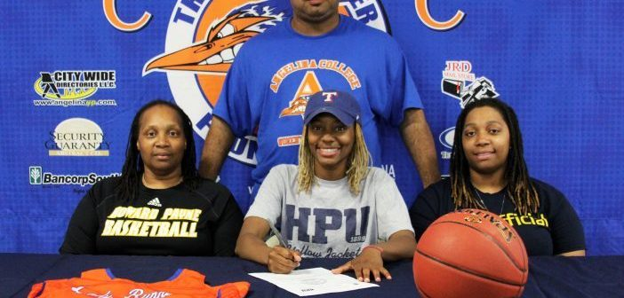 AC's Barlow Signs with Howard Payne University Women's Basketball
