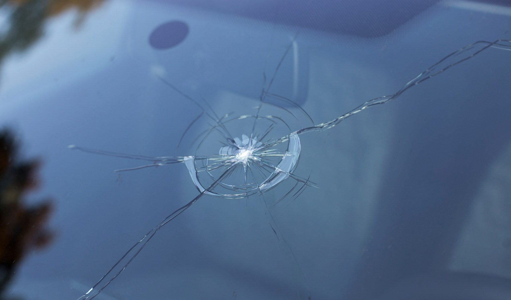 Windshield Hit By A Rock Repair Or Replace Tips