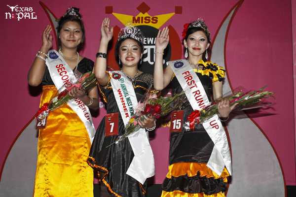 Tasveer Miss Newa 1133 Sudina Shrestha (C) with 1st Runner Up Sajina Sakya (R) and Eco Design Jewelry Miss Newa 2nd Runner Up: Prativa Maharjan (L). (Photo: Nirnit Tandukar/TexasNepal)