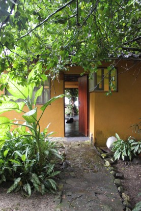 Front entrance to Casa Astrid.