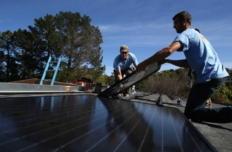 solar-installation-cali_justin-sullivan-getty