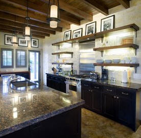 lance-armstong-hill-country-retreat-kitchen