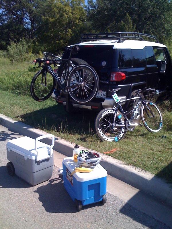 unloading gear from my trusty FJ