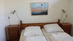 Zimmer links Doppelbett