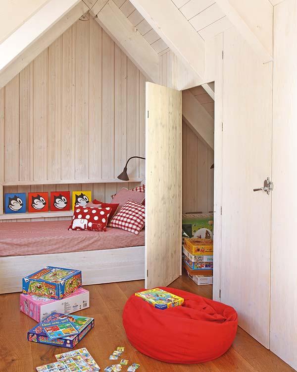 Αξιολάτρευτο κόκκινο παιδικό δωμάτιο2