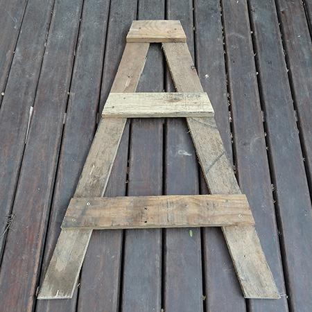 σταντ για βότανα ή φυτά από ξύλινές παλέτες4