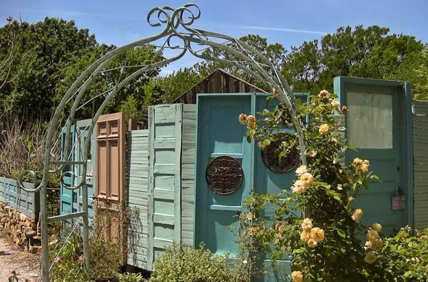Ιδέες με ανακύκλωση παλιών ξύλινων πορτών και παραθύρων6
