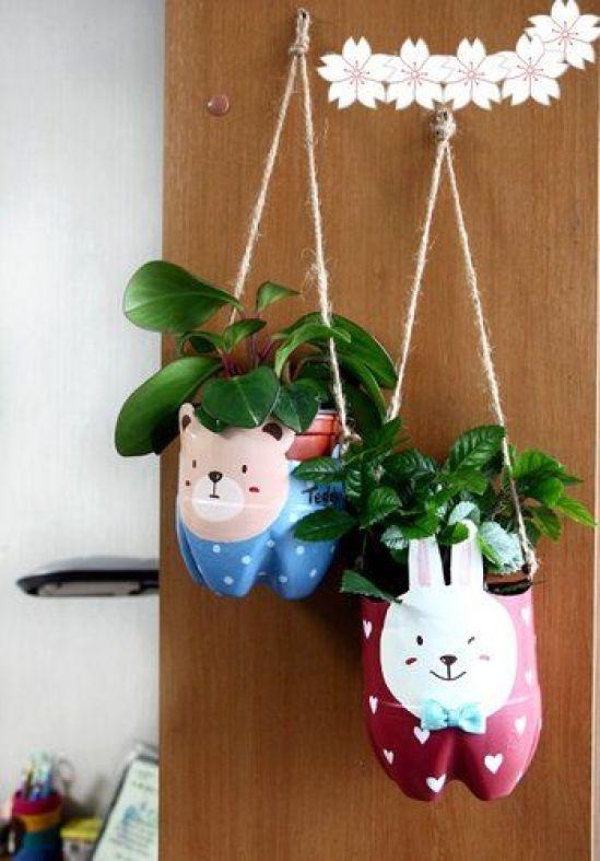 κρεμαστά φυτά τοίχου από ανακυκλωμένα πλαστικά μπουκάλια2