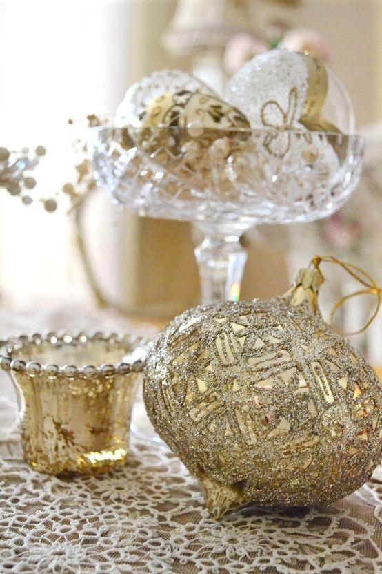 χρυσάφι Και Λευκές Χριστουγεννιάτικες Ιδέες44