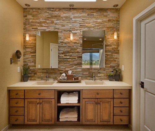 Ζεστά Σχέδια Μπάνιου με πέτρινους τοίχους7
