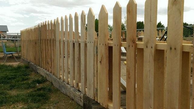Ιδέες με Φράχτες από ξύλινες παλέτες4
