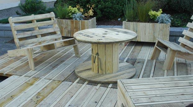 Βεράντα Κήπος από ανακυκλωμένα υλικά1