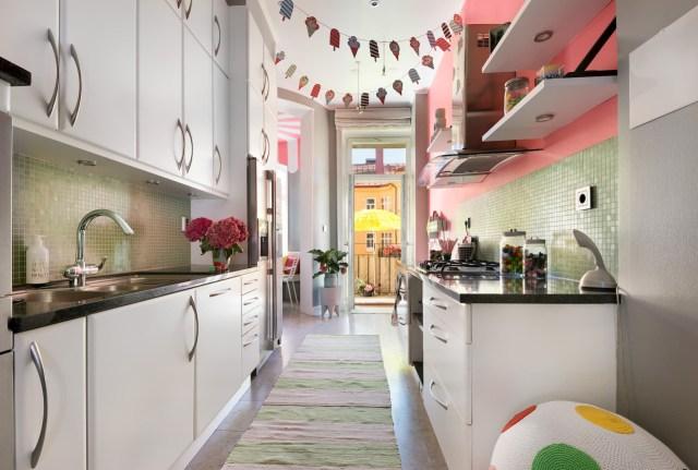 Έντονα χρώματα σε ένα καταπληκτικό σκανδιναβικό διαμέρισμα8
