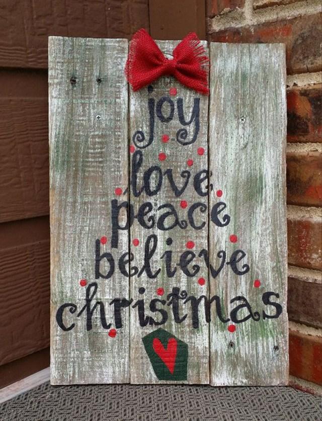 διακοσμήσεις Χριστουγέννων από παλέτες17