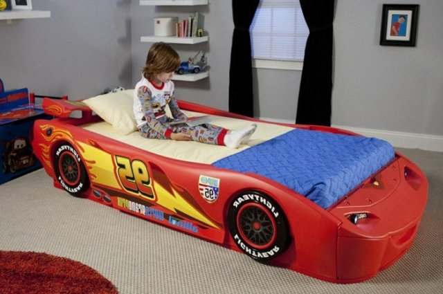 Car beds for your child's room39