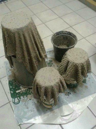 DIY γλάστρες από παλιά ρούχα και τσιμέντο (5)