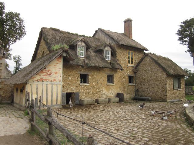 Παραμυθένιο μικρό χωριουδάκι Μαρία Αντουανέτα2