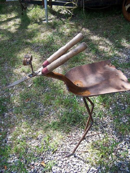 παλιά εργαλεία σε διακοσμητικά κήπου1