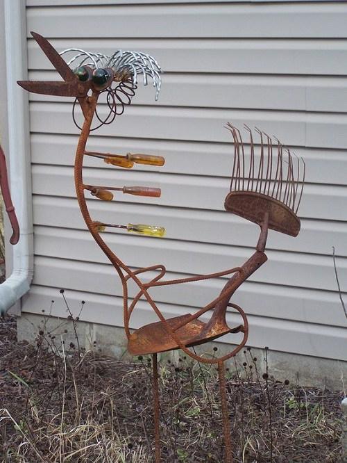 παλιά εργαλεία σε διακοσμητικά κήπου3
