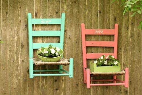 παλιές καρέκλες σε γλάστρες κήπου10
