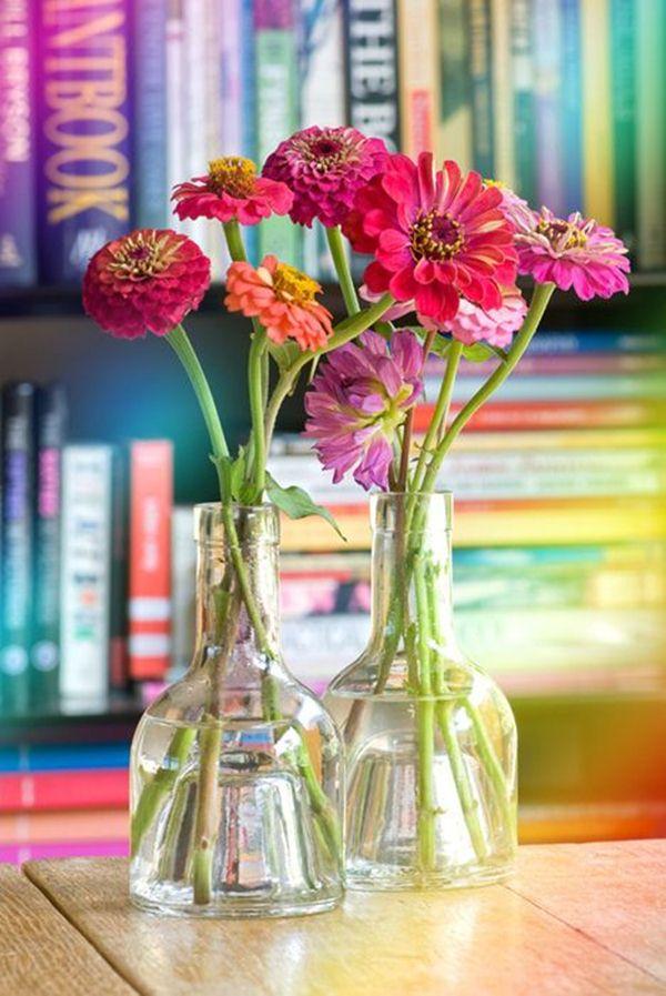 Διακοσμήστε με γυάλινα μπουκάλια και λουλούδια3