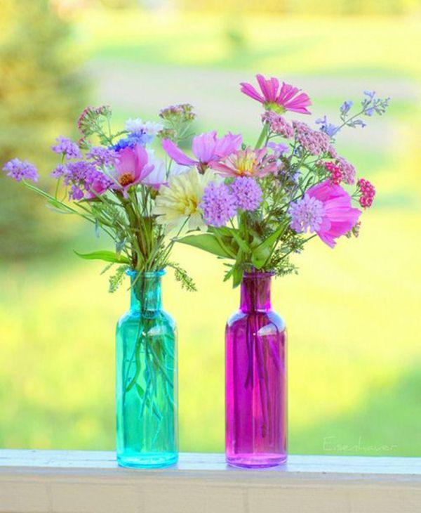 Διακοσμήστε με γυάλινα μπουκάλια και λουλούδια6