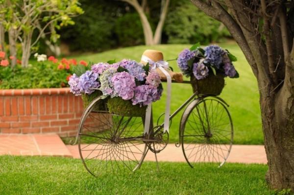 Ιδέες για γλάστρες με παλιά ποδήλατα2