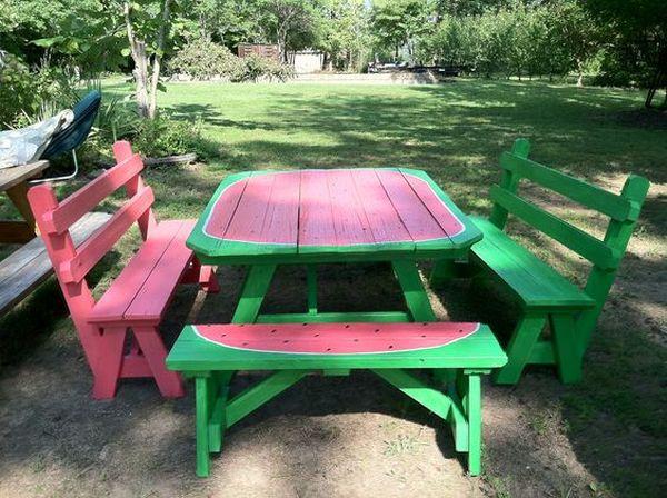 ζωγραφισμένα τραπέζια για τον κήπο12
