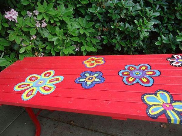 ζωγραφισμένα τραπέζια για τον κήπο6