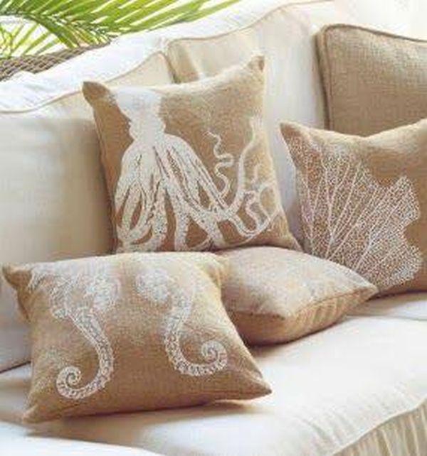 μαξιλάρια από λινάτσα και δαντέλα4