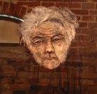 Vrouw op transparante doek in Coldam