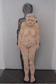 Vrouw (en haar Schaduw) in Grote Kerk, Monnickendam