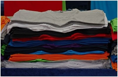 Collars of T-Shirts made from Rib fabric