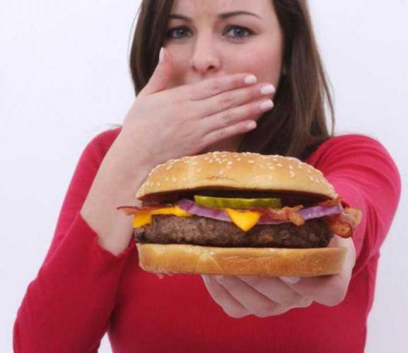 Почему хочется мяса во время беременности? Чего не хватает организму?