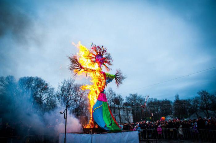 25 самых странных новогодних обычаев в разных странах
