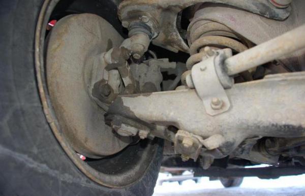 Как проверить шаровые опоры на автомобилях ВАЗ классической серии