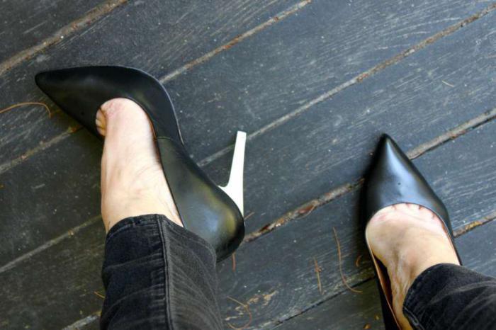 Натирает новая обувь? Используйте эти хитрые советы