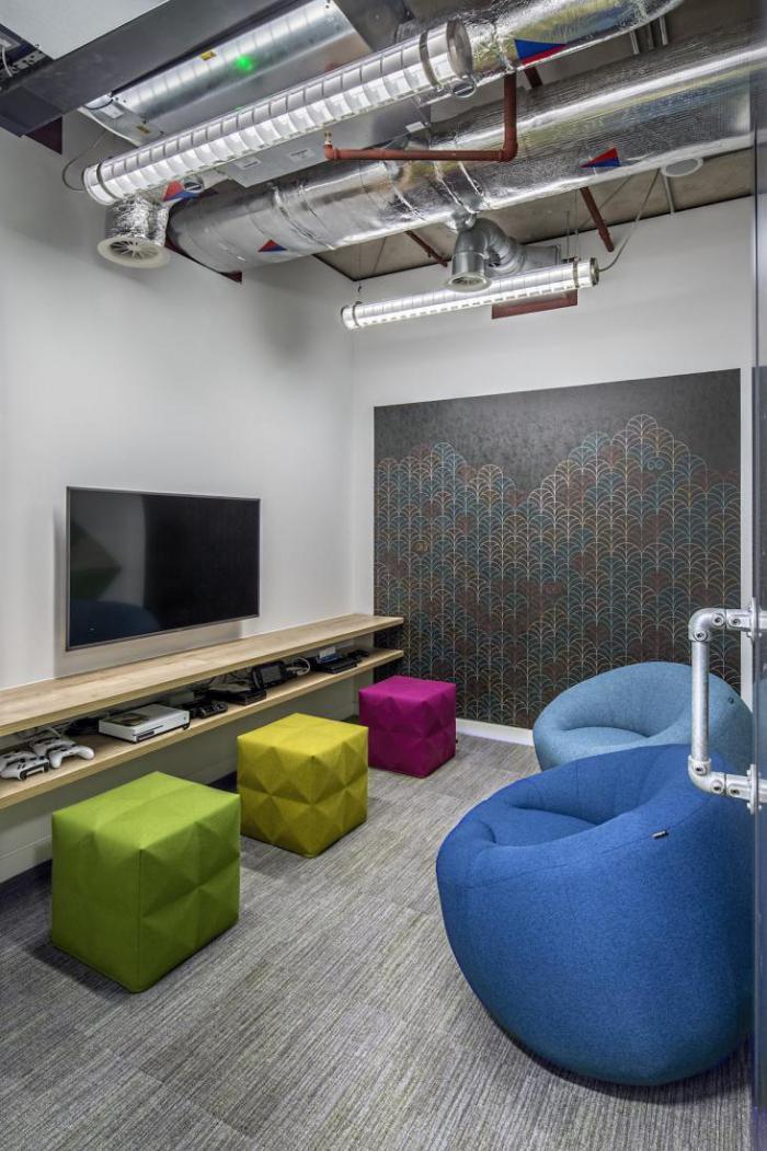 Компания Adobe открыла новый офис с беговой дорожкой на крыше
