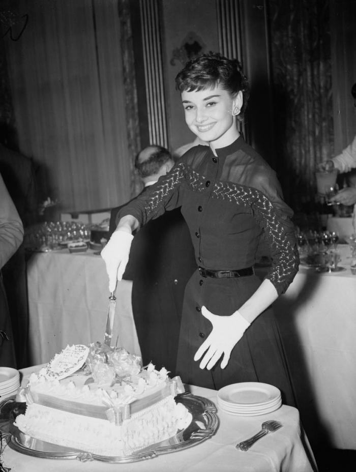Как Одри Хепберн удавалось поддерживать стройность на протяжении всей жизни?