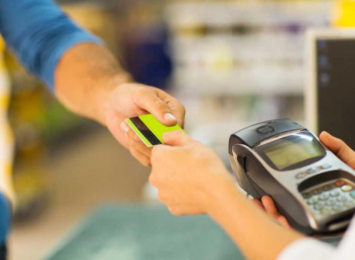 Как супермаркеты заставляют нас тратить больше? 15 способов