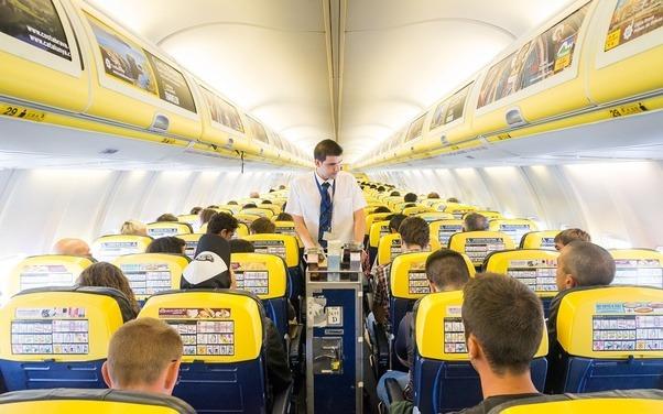 реклама в самолете