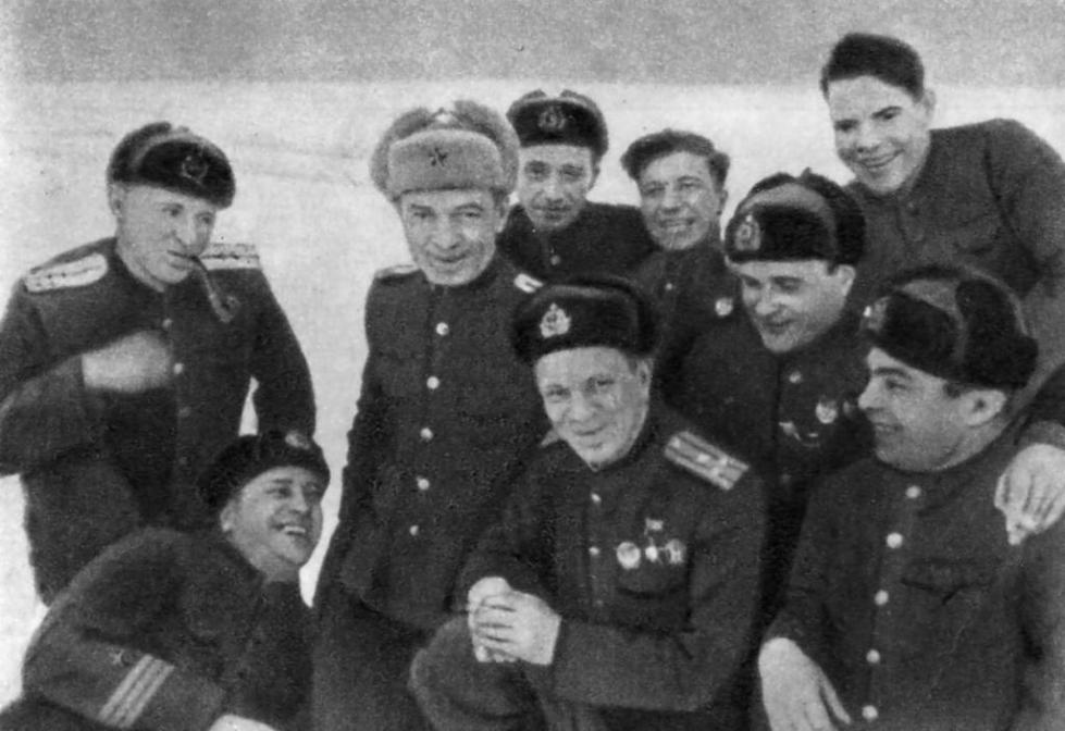 Василий Лебедев-Кумач на фронте