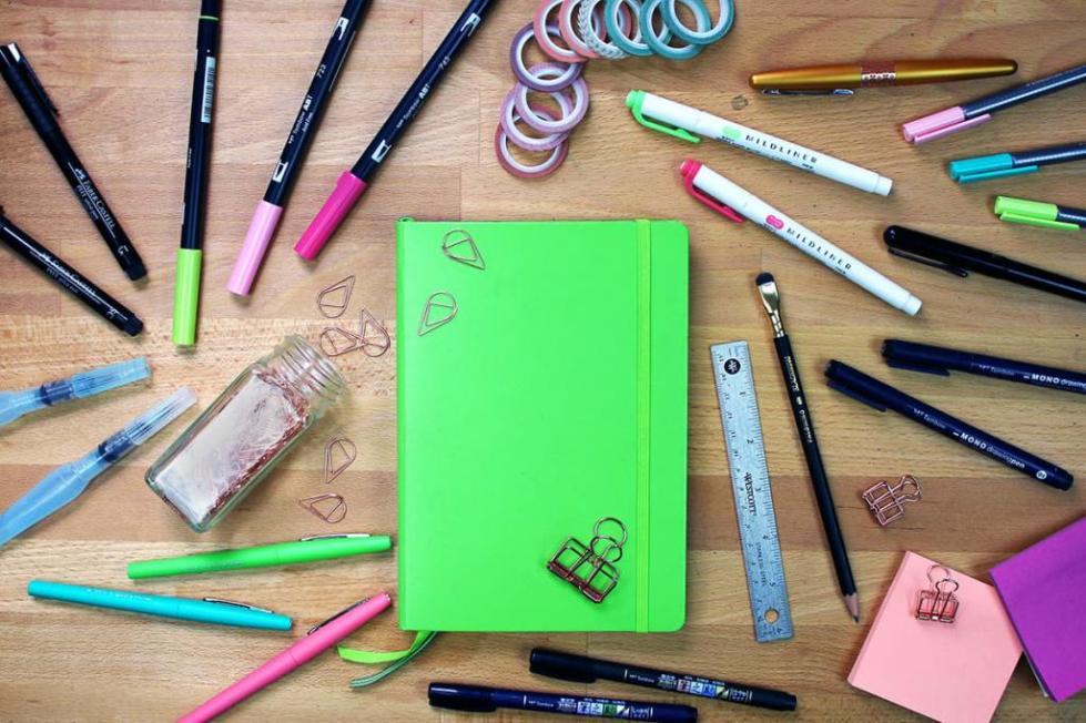 Как оформить первую страницу личного дневника?