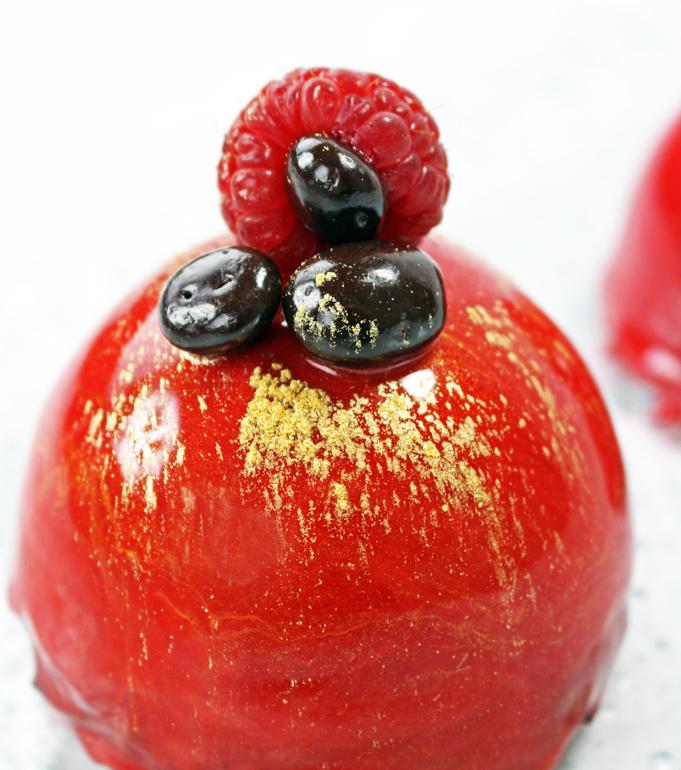 Муссовое пирожное Красный бархат